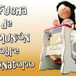 DIY Muñeca fofucha de comunión sobre reclinatorio