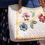 Bolsa de tela con aplicaciones de flores