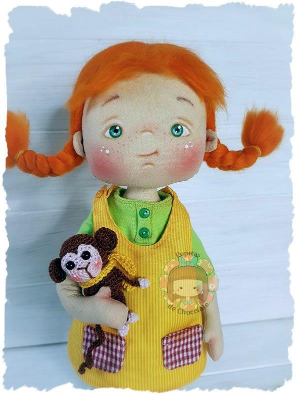 Muñeca de tela Pippi Calzaslargas